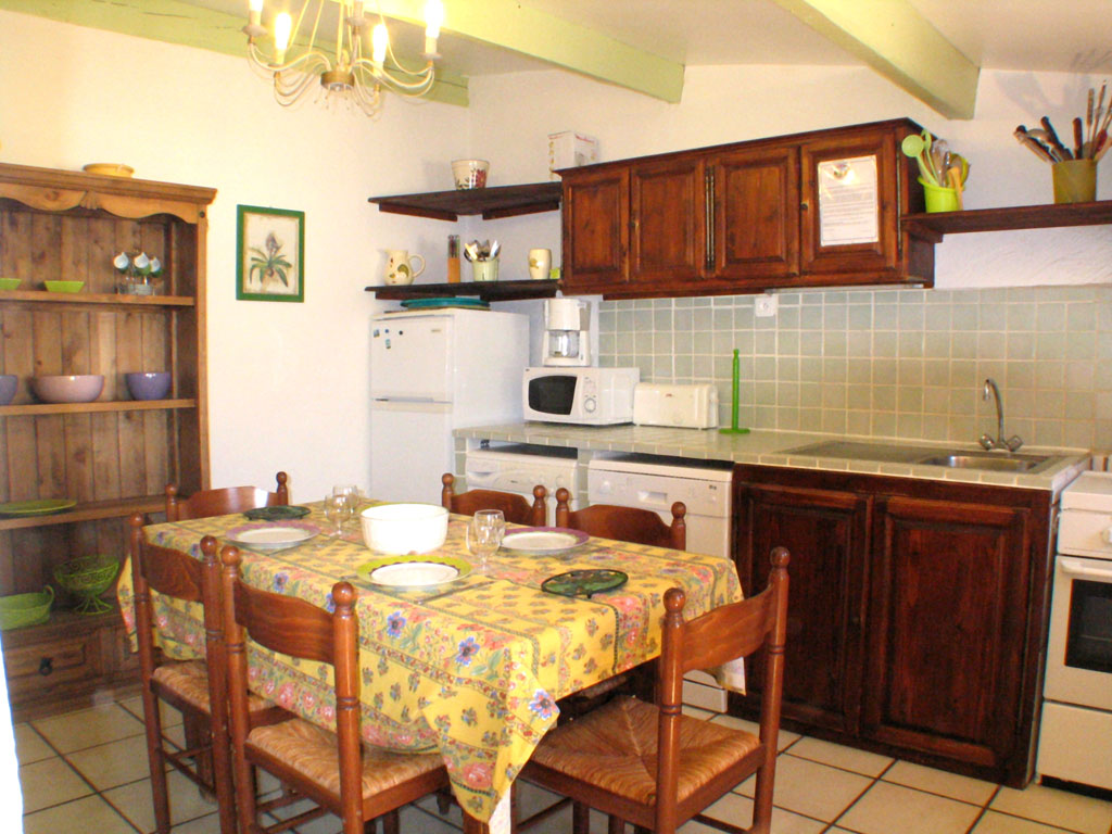kitchen 3 rooms apartment